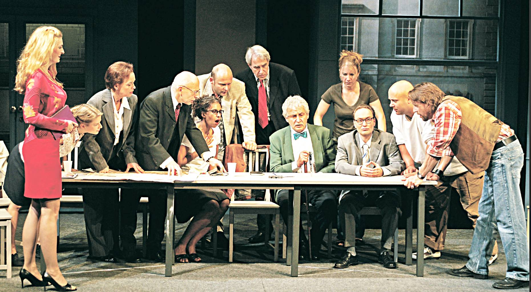 theater-die-12-geschworenen-ausschnitt